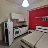 CATANZARO LIDO – ZONA PORTO. Affittasi monolocale arredato in stabile signorile con ascensore
