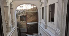 CATANZARO CENTRO – CORSO MAZZINI PRESSI BAR IMPERIALE.  Vendesi in stabile d'epoca appartamento di pregio di 250 mq