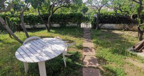 Montauro – Localita' Conca a 700mt dal mare affittasi monolocale con letto matrimoniale per due persone+ giardino.