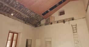 CATANZARO CENTRO – VIA XX SETTEMBRE. Vendesi appartamento da ristrutturare, uso ufficio di 143 mq ideale anche come abitazione o da frazionare.