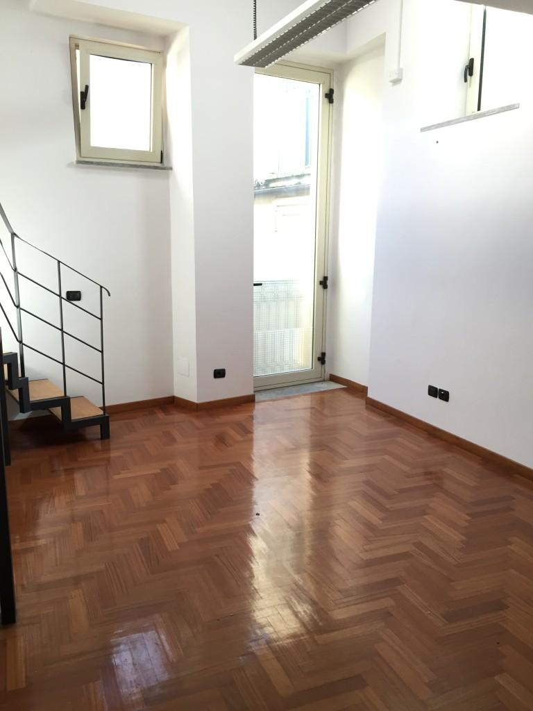 Catanzaro centro vico raffaelli affittasi loft su due for Affittasi studio